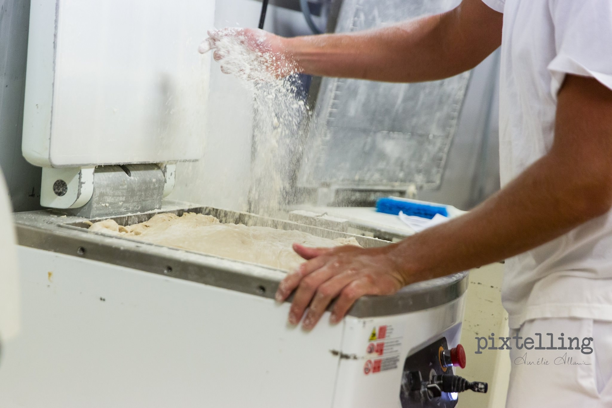photo boulanger farine grenoble pixtelling